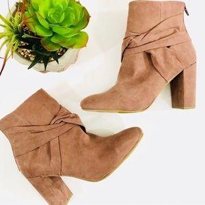 Report Mauve blush Ankle block heel Boot size 10